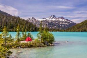 Une vue magnifique depuis le Joffre Lake à British Columbia.