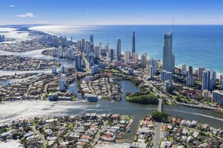 Surfer Paradise en Australie est un endroit privilégié de la côte.