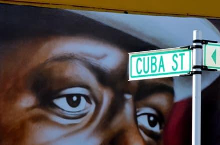 Cuba Street à Wellington en Nouvelle-Zélande mélange art bars et café.