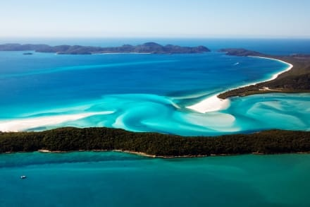 Whitehaven Beach se trouve Whitsunday Island près de Brisbane