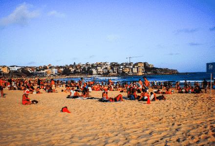 La plage de Bondi Beach en Australie est réputée pour sa beauté.